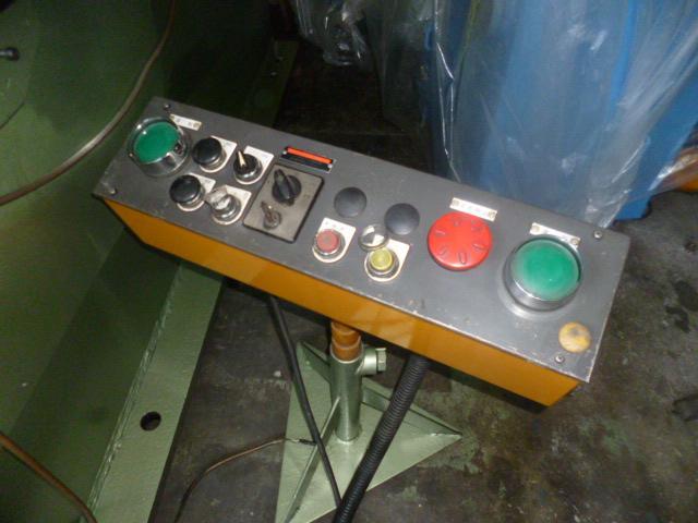 Amada 200T Electric C type press