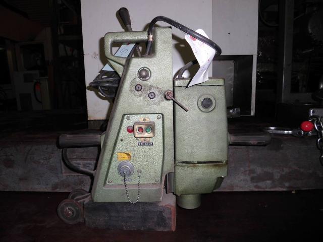 Hitachi magnetic bore machine MB-25