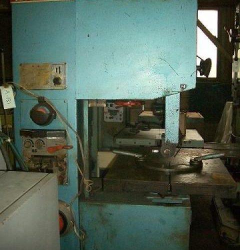 Amada contour machine V-400 1977