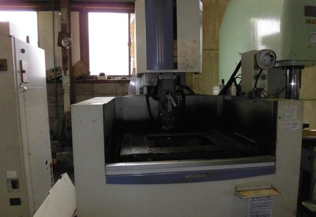 Mitsubishi CNC Wire-cut machine FX-20K 1998