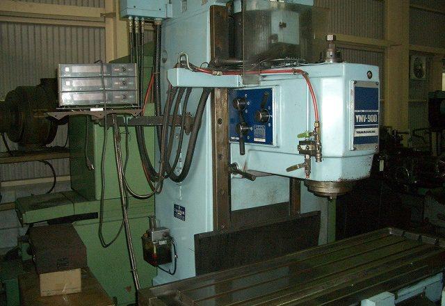Yamaguchi Vertical Milling Machine YMV-900 1988
