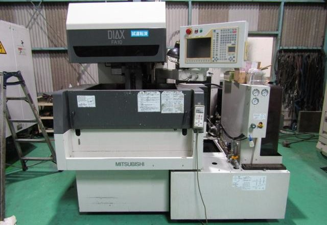 Mitsubishi Wire-cut machine FA-10 2001