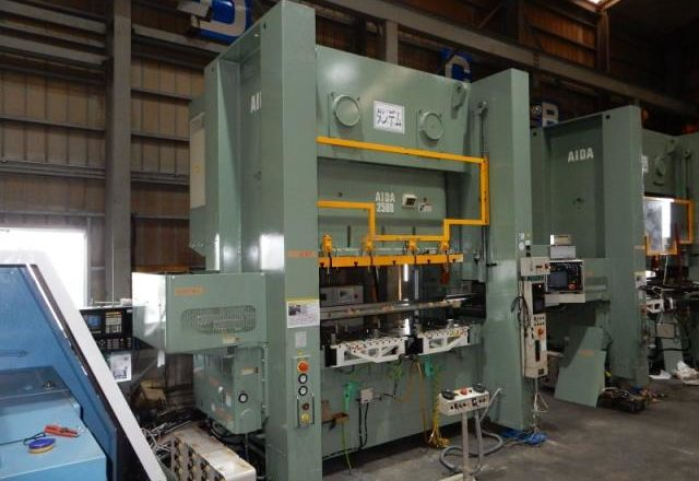 Aida 250T gate type press NS 2-2500 (2) 2007