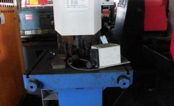 Mazak Corner Shearing Machine SPAR CV-6200 1988