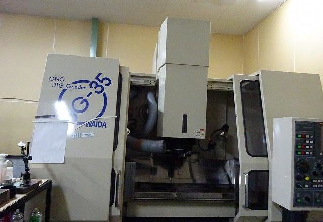 Wadai CNC Jig grinding machine UJG-35 2005