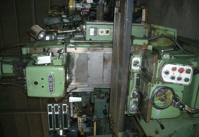 OKK vertical milling machine MH-2V 1983